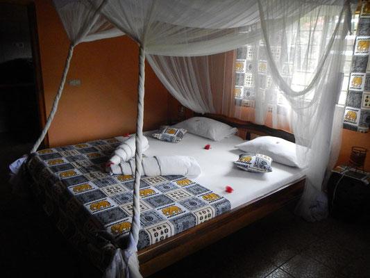 Zimmer in der Meru View Lodge / Rooms in the Meru View Lodge