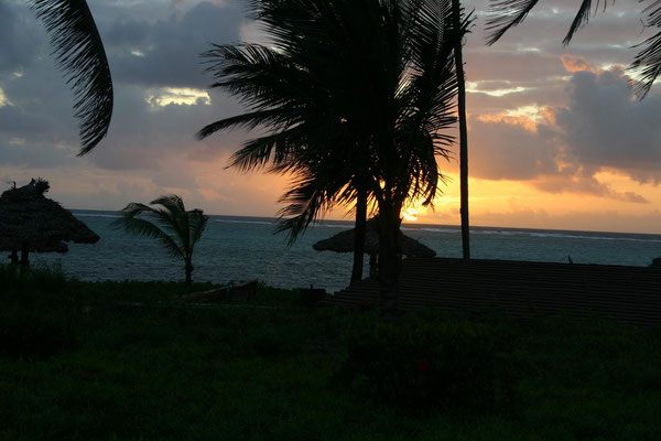 Sonnenaufgang im Breezes Beach Club Zanzibar / sunrise