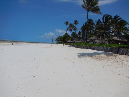 Strand auf Sansibar / beach on Zanzibar