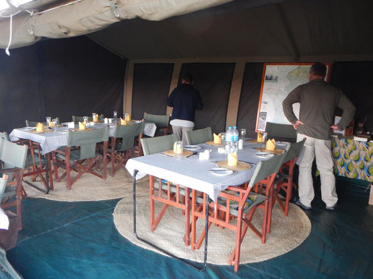 Speisezelt / dining tent