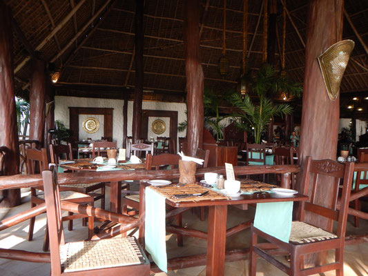 Speiseraum im Breezes Beach Club and Spa Hotel Zanzibar / dining room