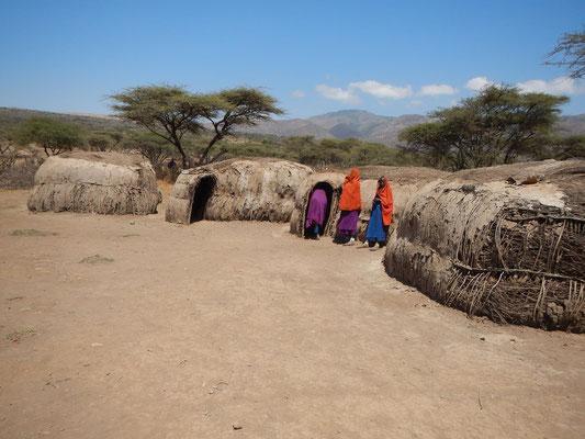 Maasai-Dorf / Maasai village