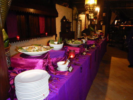 Buffet im Breezes Beach Club Zanzibar