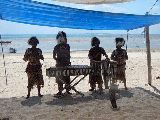 Unterhaltung auf Safari Blue