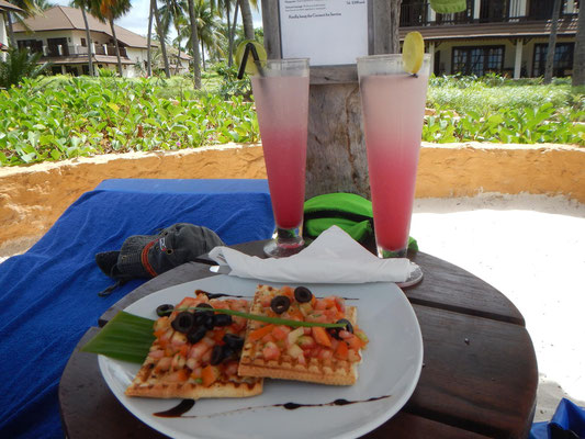 Kleiner Snack im Breezes Beach Club Zanzibar
