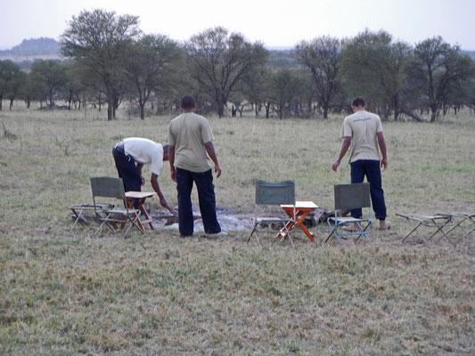 Lagerfeuerplatz im Serengeti View Camp / campfire place in the Serengeti View Camp