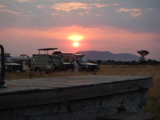 Sonnenuntergang im Serengeti Heritage Camp / Sunset in the Serengeti Heritage Camp
