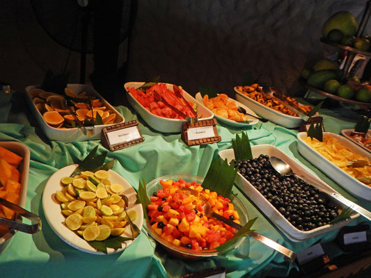 Buffet im Breezes Beach Club and Spa Hotel Zanzibar