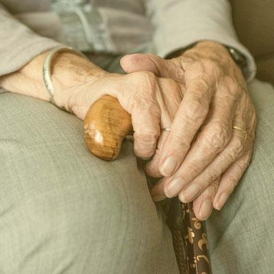 Ergotherapie für alte Menschen, Ergotherapie Geriatrie, Ergotherapie bei Demenz