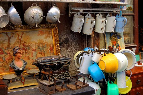 ...und Antiquitäten