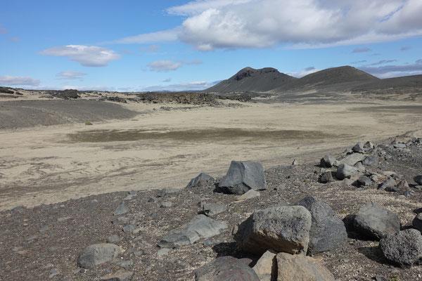 ...Sand und Stein Richtung Osten