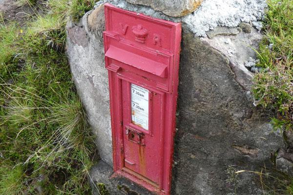 Hier geht die Post direkt in den Fels