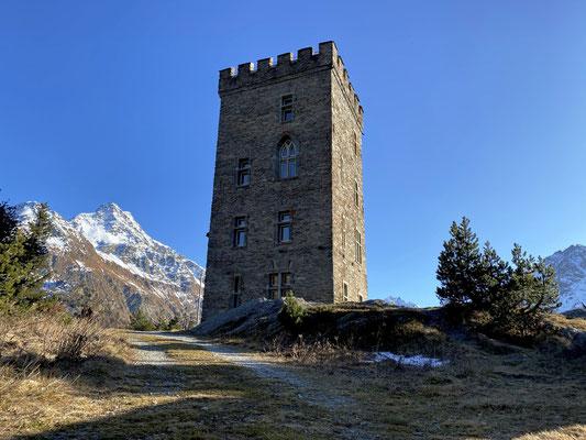 Immer wieder schön, ein Spaziergang zur Burg in Maloja