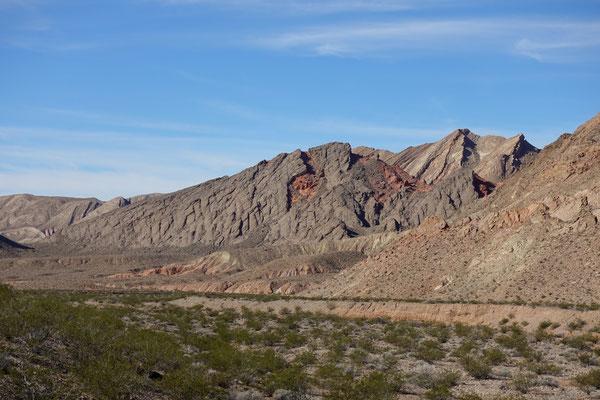 ...entlang des Lake Mead