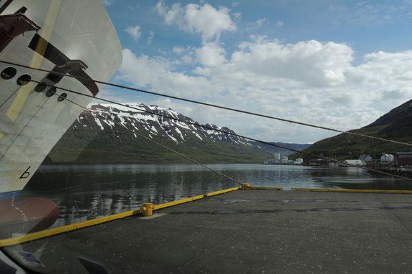 Festgetäut im Hafen