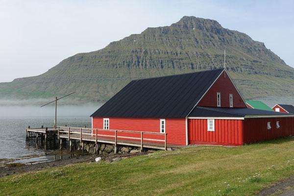 Schönes Haus am Fjord