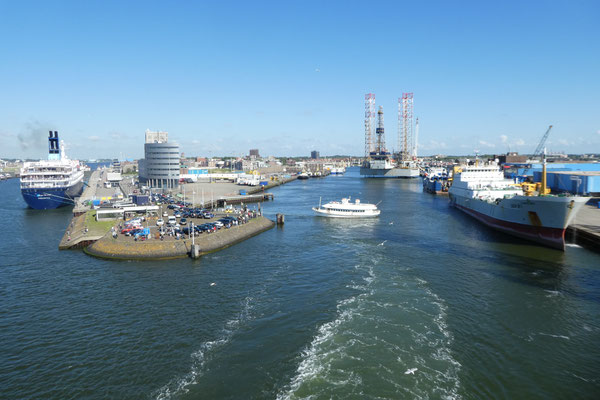 Wir verlassen den Hafen von Jjmuiden und nehmen Kurs auf Newcastle