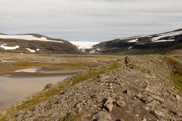 Wandern zum Gletscher Drangajökull