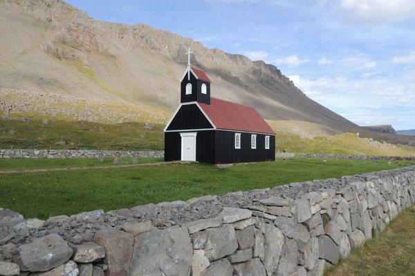 Das schöne Holzkirchlein beim Raudasandur