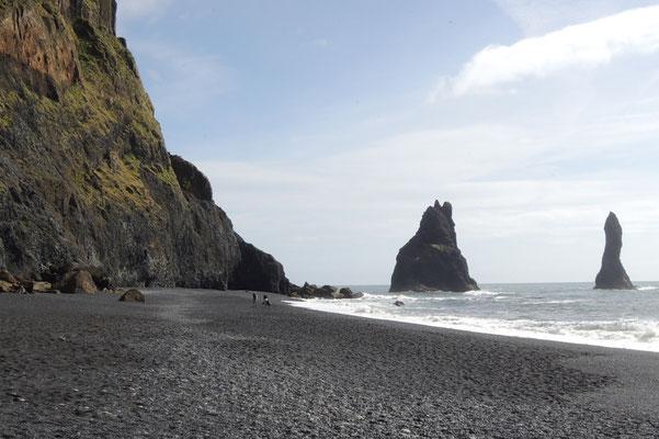 ...am schwarzen Strand bei Vik