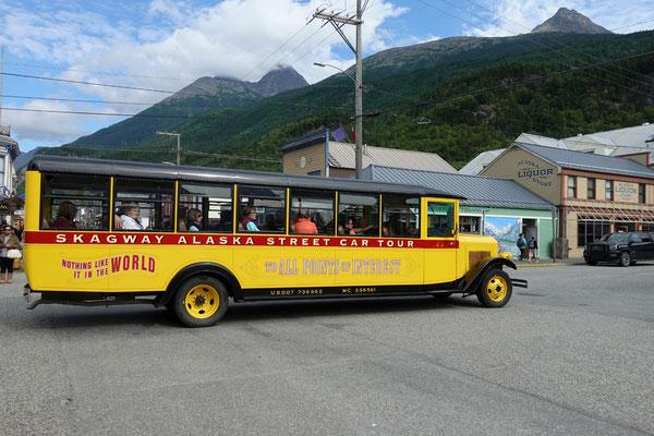 Nostalgische Busfahrten kann man hier buchen