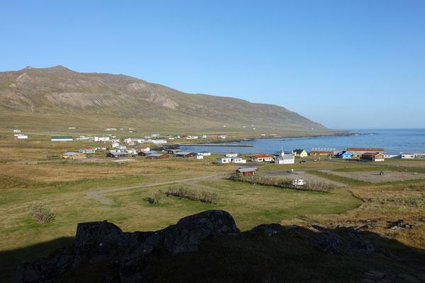 Blick vom Elfenhügel über Borgarfjördur