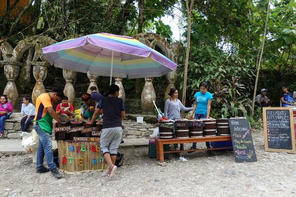 Glaceverkäufer beim Park in Xilitla