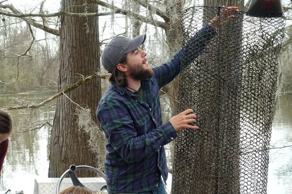 Al, unser Guide erklärt den Crawfish-Fang