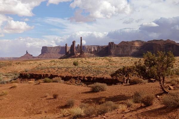 Und weiter geht es durchs Monument Valley