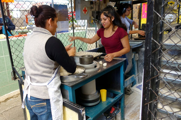 Tortillas werden am Laufmeter produziert