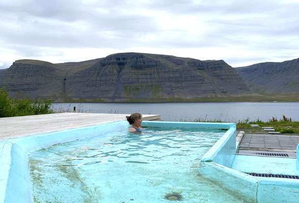 Heisses Bad mit Fjordblick