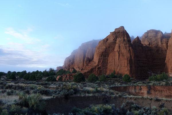 Mystischer Morgen nach dem Regen