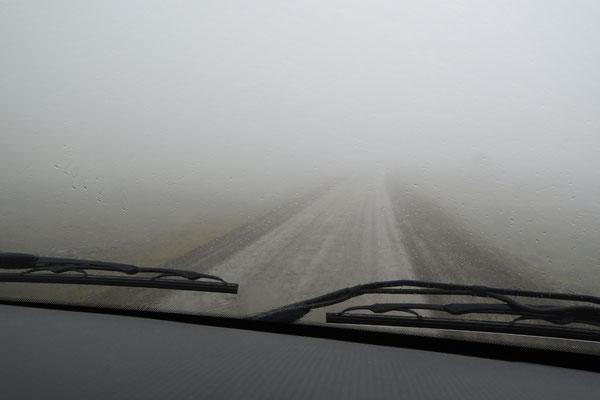 Der Nebel verschluckt uns...