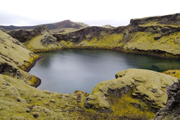 Am kleinen Kratersee Tjarnargigur