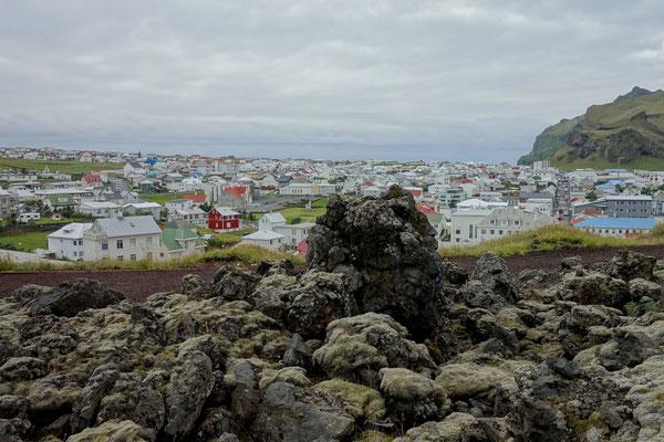 Blick über das Dorf Heimaey