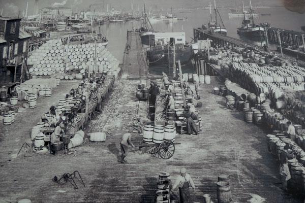Viel Betrieb hier am Hafen anno dazumal