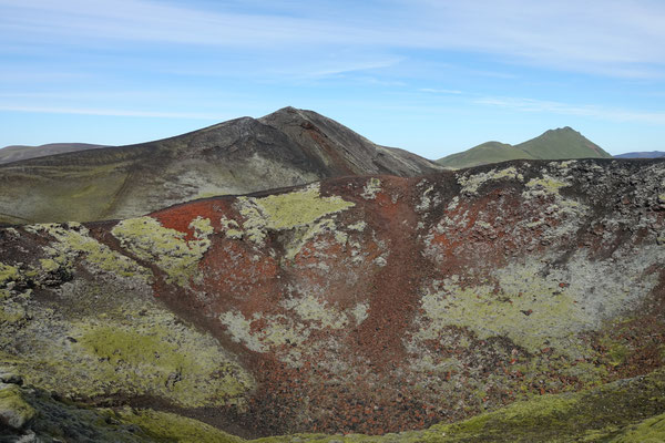 Auf dem bunten Hügel Stutur vor Landmannalaugar