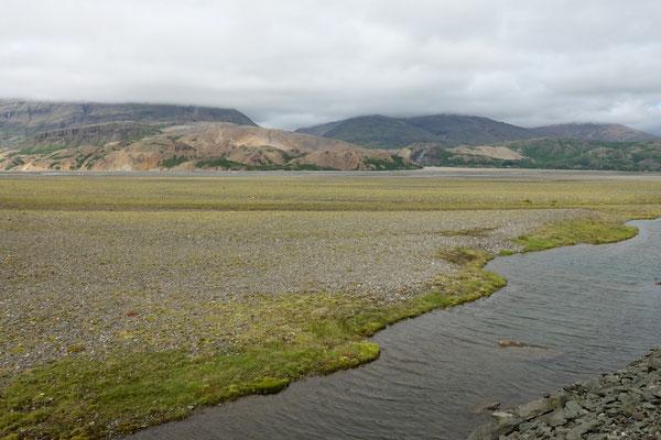 Breites Flussbett