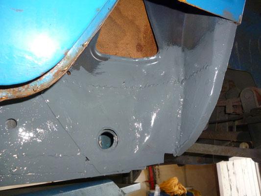 B-Säule repariert, zuvor bekam der Innenschweller  eine neue Ecke