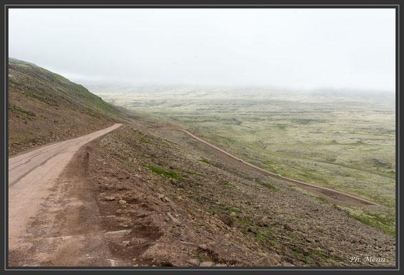 Piste 612 pour Látrabjarg, falaise de  50 à 450m de hauteur !