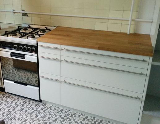 Küchenkorpus Holzwerkstoff beschichtet mit Abdeckung in Eiche geölt