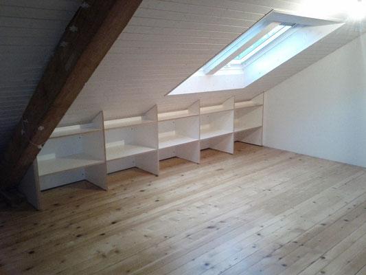 Ausbau in Birkensperrholz beschichtet weiss