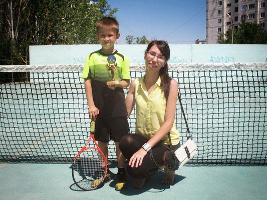 Артём Торба с тренером - Юлией Волынской