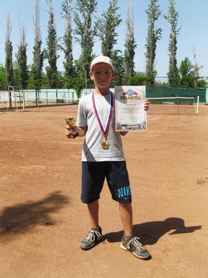 Победитель первенства г. Волжского (9-10 лет) - Поляков Назар