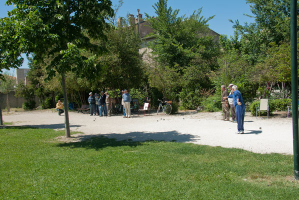 Playing Boules in L'Isle-sur-laSorgue