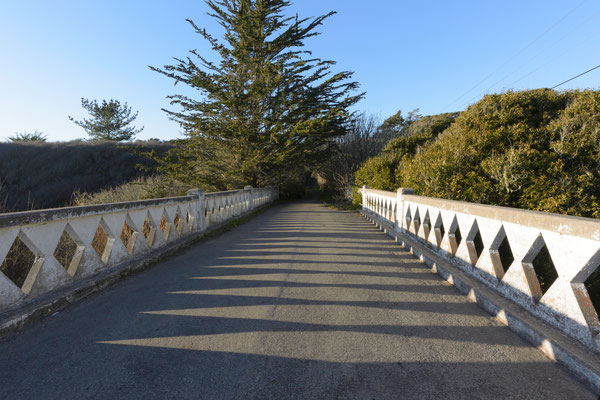 Old Highway 1 concrete bridge