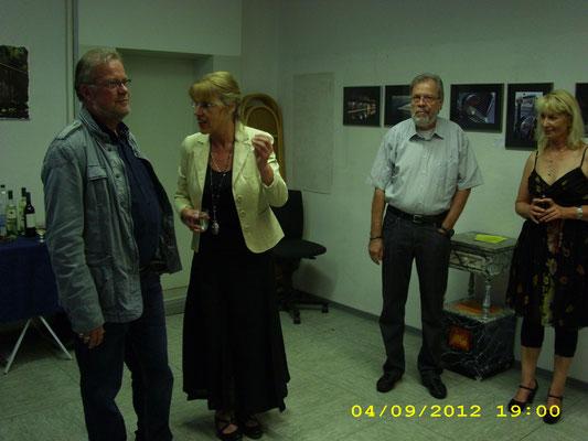 Mitte. Frau Ellen Wiederstein - Redaktation WAZ-Wattensscheid