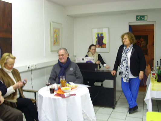 2. v. L. Michael Starcke, Michelle Veronic Möller, Jenny Canales