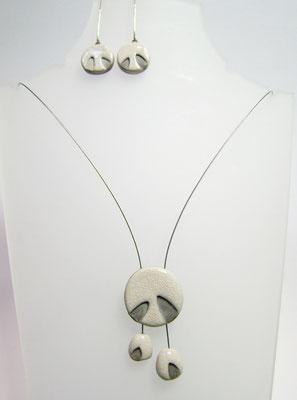 collier céramique noir et blanc