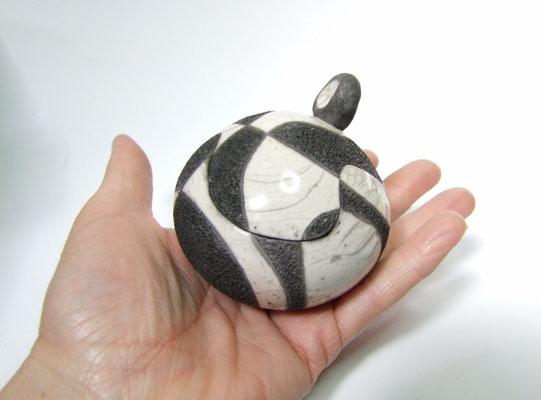 boite raku noire et blanche